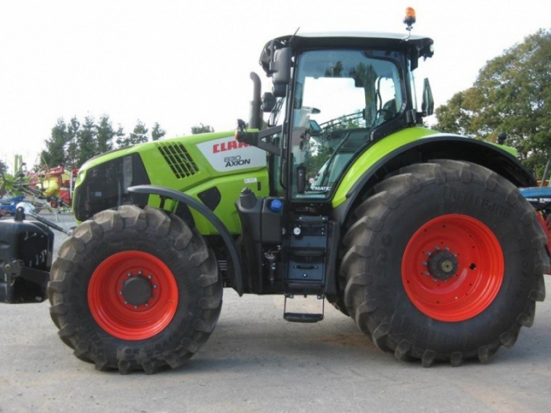 Claas Axion 830