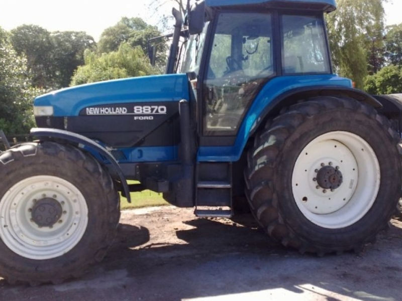 New Holland 8870