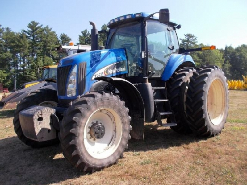 New Holland TG215